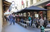 Melbourne street restaurant — Stock Photo