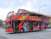 Sightseeing bus Singapore — Stock Photo