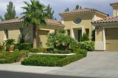 Beautiful residence and landscaping in Nevada, USA — Stock Photo
