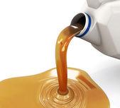 Teneke kutu dökülen petrol — Stok fotoğraf