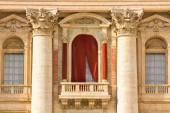 Conclave balcony  in St. Peter's Basilica in the Vatican — Stock Photo
