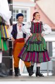 Folk dancers from city of Lowicz in traditional costumes — 图库照片