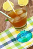 Ice tea with lemon and mint — Stock Photo