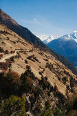 Picturesque view on the road to Annapurna Mountain in Nepal. Annapurna trekking path — Fotografia Stock