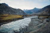 Calm mountain river. View from the path during Annapurna trekking — Stock Photo