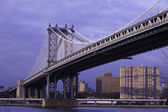 Manhattan Bridge in afternoon light. — Foto de Stock