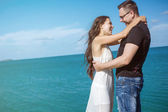 Happy love couple on the beach — Stock Photo