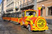 Train for trips to the Rynok Square in the center of Lviv Februa — Stock Photo