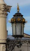 Antique lamp post near Lviv State Academic Opera and Ballet Thea — Stock Photo