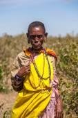 Masai Mara, Kenya, Africa - February 12, 2010 woman in traditional clothes — Stock Photo
