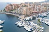 Widok na port Monako z luksusowych jachtów, Lazurowe Wybrzeze — Zdjęcie stockowe