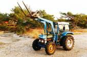 Gamla blå traktor — Stockfoto