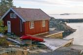 Fisherman's cottage on the bay — Stock Photo