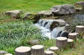 Small waterfall in Chinese garden — Stock Photo