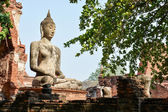 Buddha statue in Mahathat temple, Ayutthaya — Stockfoto
