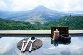 Lunch time at restaurant overlooking the Kintamani — Stock Photo
