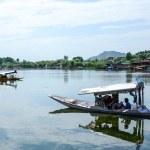 Dal lake at Srinagar, Kashmir, India — Stock Photo #74075729