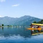 Dal lake at Srinagar, Kashmir, India — Stock Photo #74075753