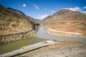 Confluence of the Indus and Zanskar Rivers — Stock Photo