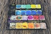 Old water color paint box — Stock Photo