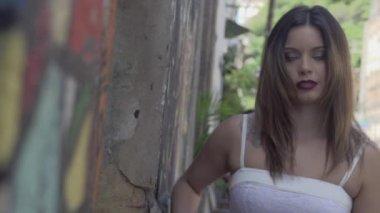 Beautiful Girl Next To Mural — Stock Video