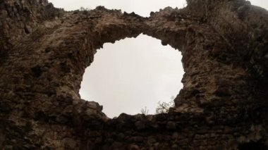 Castle of the knights of Templar the oldest in Transcarpathia castle ruins — Stockvideo