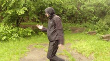 古代魔法のインド movementthe の最初のシリーズの公園講師を示しています: 一般的な計画、ミディアム ショット、クローズ アップ — ストックビデオ