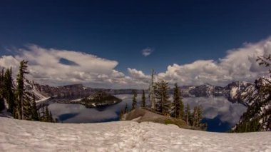 Cloudy Afternoon at Crater Lake — Stock Video