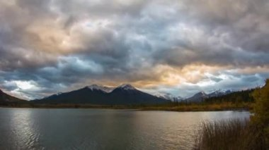 Cloudy Vermillion Lakes at Sunset time — Stock Video
