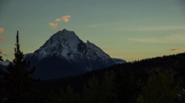 Dusk in the Canadian Rockies — Stock Video