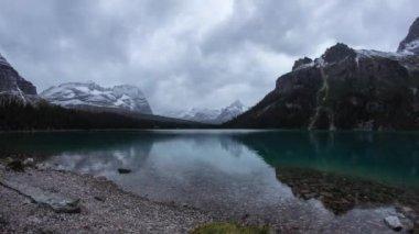 Twilight clouds at Lake O'Hara — Stock Video