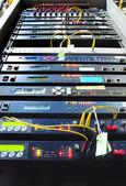 La salle des serveurs réseau communication et internet — Photo
