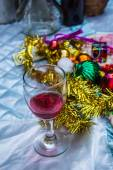 Red wine and decorated — Stock Photo