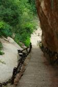Perpendicular staircase in Huangshan park — Stock Photo