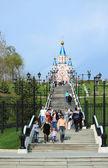 Way to the church in Khabarovsk — Stock Photo