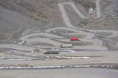 International road with many switchbacks between Santiago and Mendoza — Stock Photo