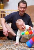 Dad see how his baby to glad — ストック写真