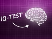 IQ Test  brain background knowledge science blackboard pink — Stock Photo