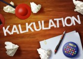 Kalkulation desktop memo calculator office think organize — Stock Photo