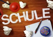 Schule desktop memo calculator office think organize — Stock Photo
