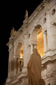 Statue of Palladio and Palladian Basilica — Stock Photo