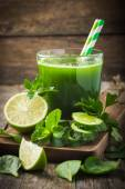 Fresh green smoothie — Stock Photo