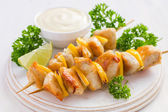 Grilled chicken and lemon kebab — Stock Photo
