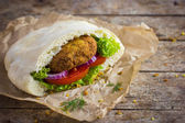 Falafel with vegetables in pita bread — Stock Photo