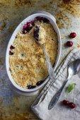 Sweet cherry crumble cake, top view — Stock Photo