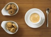 Espresso s cookie — Stock fotografie