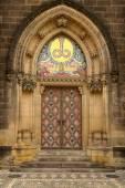 Main door of neo-gothic Basilica — Foto Stock