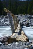 Trail Bridge over Stream — Stock Photo