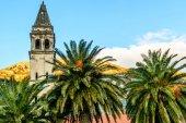Wieży z zegarem w starym mieście Perast, Montene — Zdjęcie stockowe