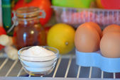 Sodium bicarbonate inside of fridge — Stockfoto